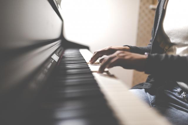 体験:思い思いの音色♪ ピアノレッスン・夜クラス