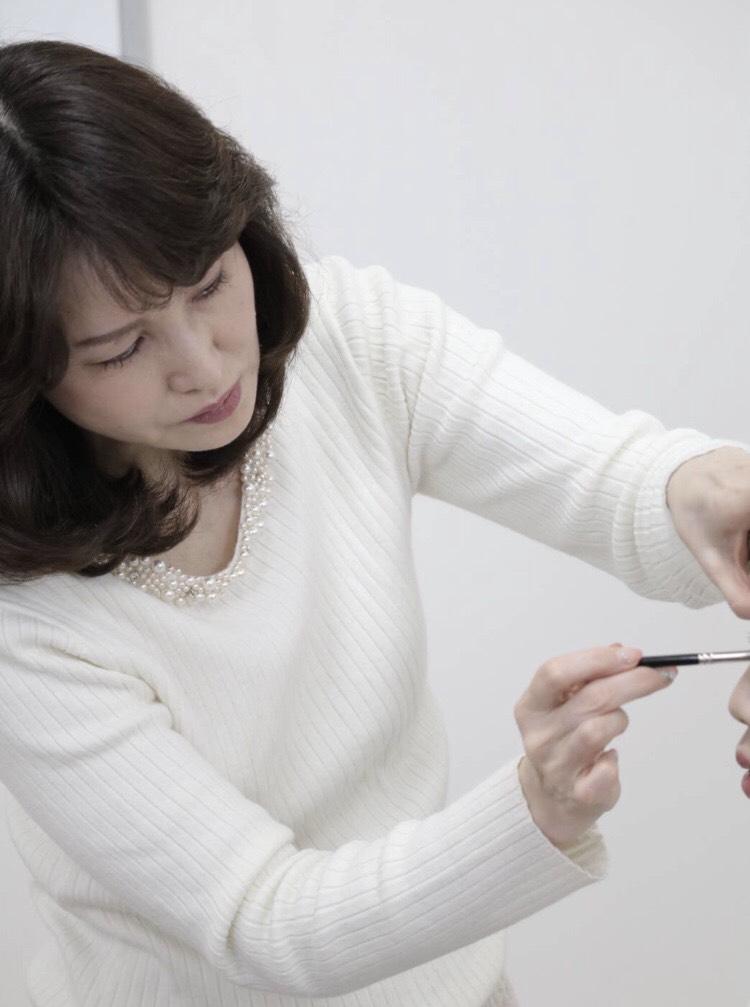 1Day :【高松校】肌色診断に基づく魅力分析メイク