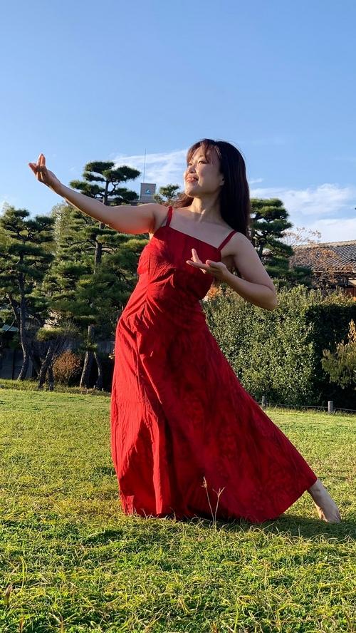 体験:弾ける笑顔で! タヒチアンダンス