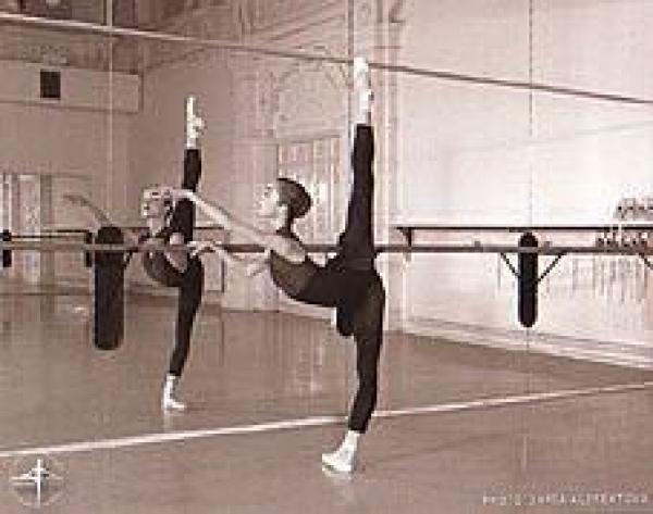 体験:大人のバレエ教室 木曜・初級クラス 6・7月