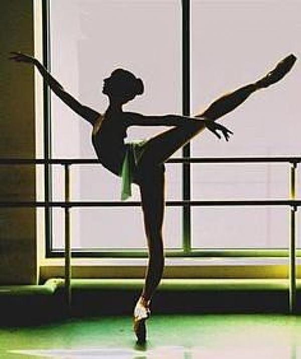 体験:大人のバレエ教室 火曜・経験者クラス 8・9月