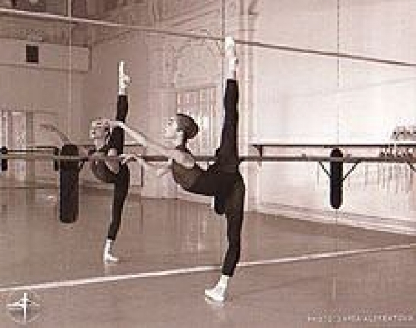 体験:大人のバレエ教室 木曜・初級クラス 8・9月