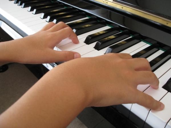 通期:楽しい子どもピアノ・マンツーマンレッスン 【中・上級クラス】17:30~18:00 5/14~
