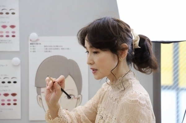 【高松校】 1Day : 立体アイメイク講座~目元を魅力アップ~ 9月